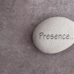 Ici et maintenant attention dans la presence