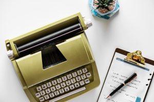 writing content typewriter pen